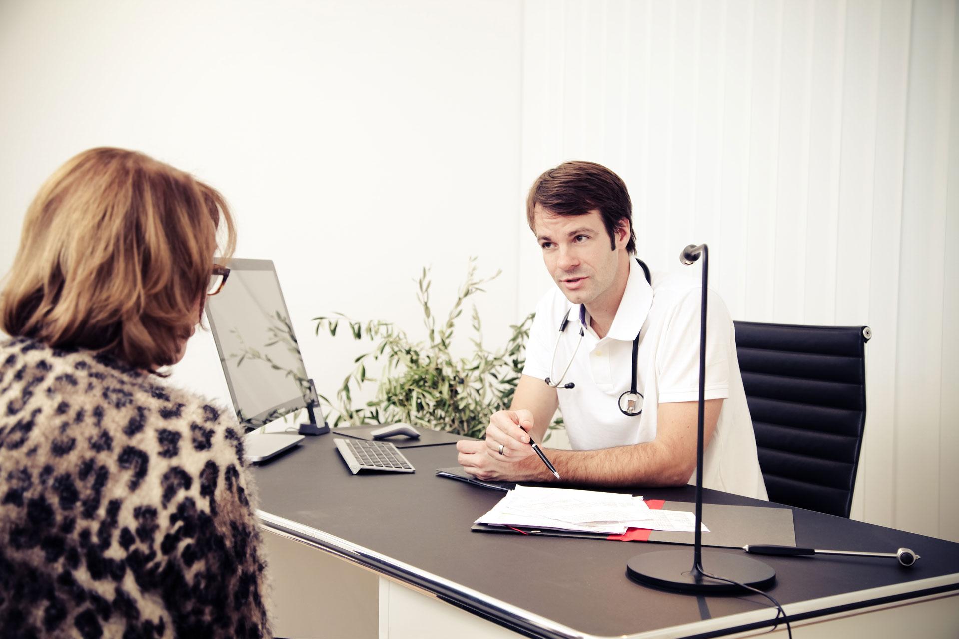 Hausarzt, Internist, Arzt, Behandlung, Diagnose